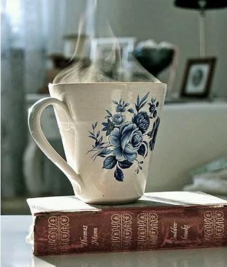 Tazza blu e libro - Copia