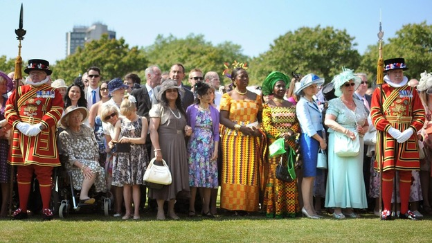 Garden Party At Buckingham Buckingham Palace 3 - OSPITI