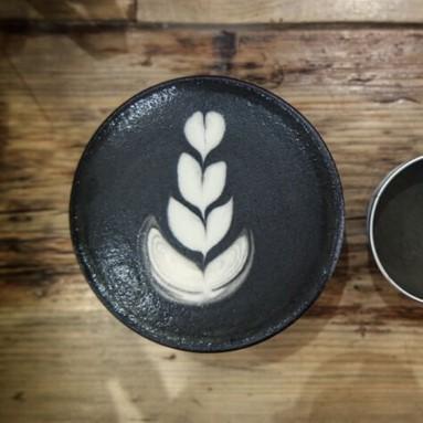 Matcha nero cappuccino