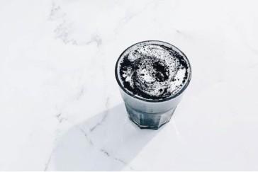 Matcha nero latte