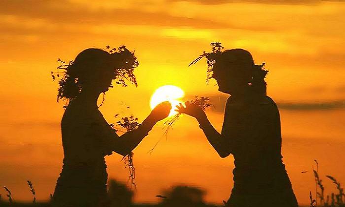 La raccolta delle erbe  (foto da Caserta web)